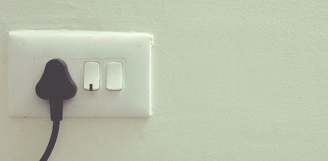 dangerous plugs, stay safe