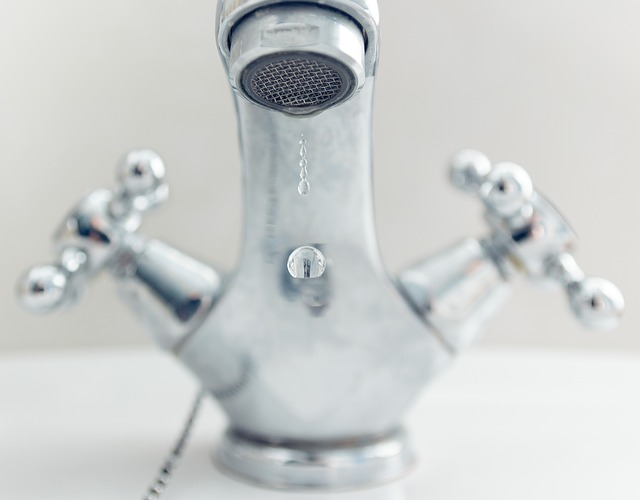how to fix leaking taps